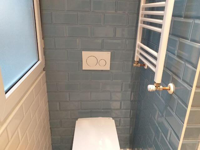 Reformas Integrales Bilbao - Instalación inodoro modernos